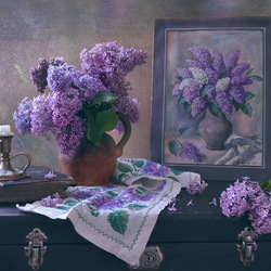 Jigsaw puzzle: Among the branches of lilac lilac