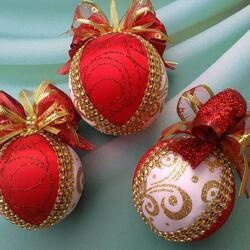 Jigsaw puzzle: Christmas balls