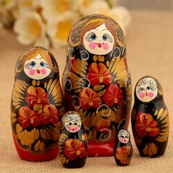 Jigsaw puzzle: Russian nesting doll