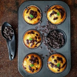 Jigsaw puzzle: Pineapple muffins with chocolate