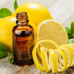 Jigsaw puzzle: Lemon oil