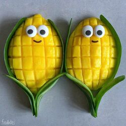 Jigsaw puzzle: Mr and mrs corn