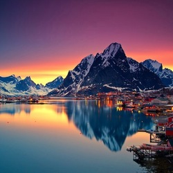 Jigsaw puzzle: Midnight in the Lofoten Islands