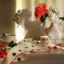 Jigsaw puzzle: Still life with polka dots