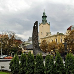Jigsaw puzzle: The Freedom Avenue. Monument to T.G. Shevchenko