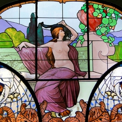 Jigsaw puzzle: Art Nouveau stained glass