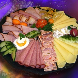 Jigsaw puzzle: Meat and cheese platter