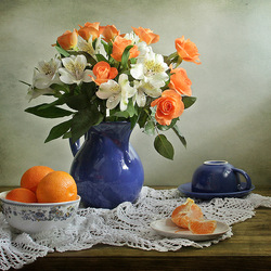 Jigsaw puzzle: Bouquet in a blue jug